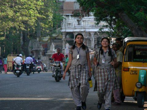 インド 女子高生 制服