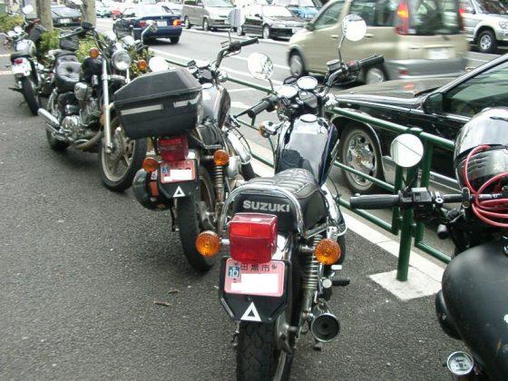 原宿 バイク駐車