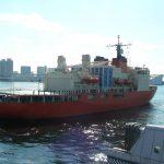 南極観測船しらせ・二代目新型の船内を撮影しました
