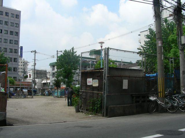 西成・釜ヶ崎 三角公園