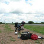 ボツワナ南部から中部を進む。宿命のパンク地獄!